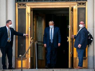 Trump-tro-lai-nha-trang-lam-viec-va-tiep-tuc-chien-dich-tai-tranh-cu-tong-thong
